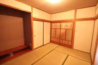 1階、6畳の寝室(寝室)